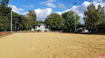 La carrière du poney-club de Vélizy-Villacoublay en cours de rénovation. © Vélizy Info