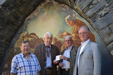 Spendenübergabe: V.l.n.r.: Franz Lechner, Ulf Geppert, Herbert Stitz und Karl Bauer. Foto: WaPA