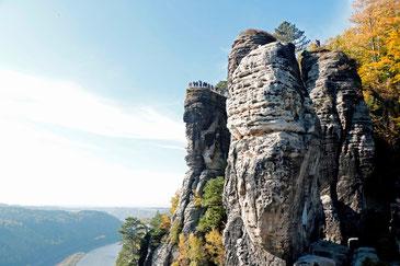 Der Aussichtspunkt der Bastei, 194 m über der Elbe thronend!
