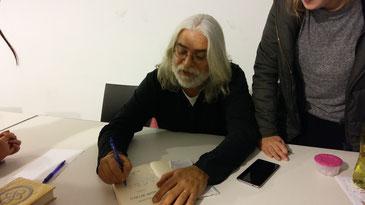 Jaume Copons signant