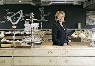Christine Begert im Restaurant Noa in Bern. Die Arbeitsversuche der IVsind für sie ein Win-win-Unterfangen.