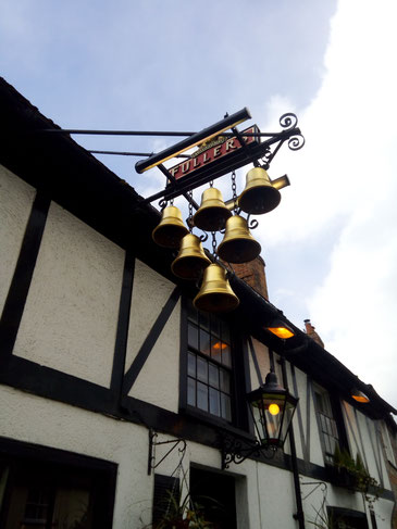 six bells, old pub signs, fullers, thame, Oxfordshire pubs
