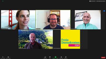 Kommunalpolitik aus dem Home-Office: Digitale Fraktionssitzungen gehören für (von links) Christina Steinhausen, David Jacobs, Ulrich van Bebber und Dominik Graf Spee mittlerweile zum kommunalen Alltag.