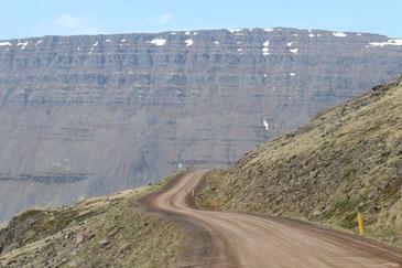 Ungeteerte Straße durch die Westfjorde - Exklusive Islandsrundreise von My own Travel ©My own Travel