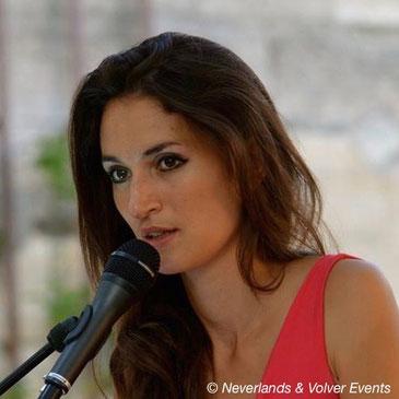 """Lara Phanalasy, chanteuse, intervenant dans les formules """"Jazz"""", """"Jazz & Bossa Nova"""", """"Musiques d'Amérique du Sud"""", """"Musiques du Monde"""" et """"Lyrique"""" (chanteuse lyrique mezzo-soprano)"""
