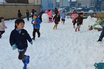 雪合戦も白熱していました。