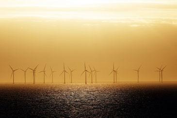 スウェーデンの電力を支える洋上風車 CC BY 2.0 / Håkan Dahlström