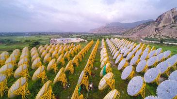 こちらはインドに誕生した1メガワットの太陽熱発電所 CC BY-NC 2.0 / Brahma Kumaris