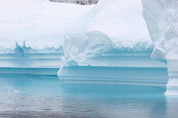 海水温の上昇で南極の氷が溶け続けている! Tak / CC BY-NC-ND 2.0