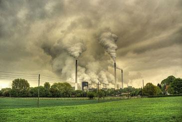 火力発電は海水の酸性化をもたらす Guy Gorek / CC BY-NC-ND 2.0
