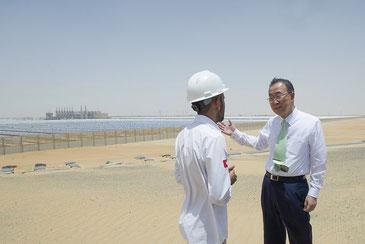 アラブ首長国連邦のソーラー発電施設を訪問した前国連事務総長潘基文氏 CC BY-NC-ND 2.0 / United Nations Photo
