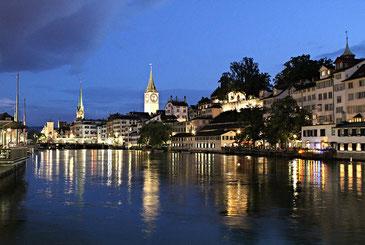 チューリッヒの夜景。たしかに住みたくなりますね。Mark Gunn CC BY 2.0