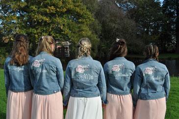 Bedrukt spijkerjasje voor bride squad bruidsmeisjes