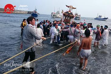 平塚三嶋神社例大祭, 須賀のまつり, 2016年7月17日, 平塚海岸, 浜降祭, 禊ぎ