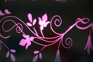 Gravure laser verre teinté avec rétro éclairage