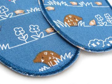 Bild: Flicken zum aufbügeln für Kinder mit Wildschwein und Frischlingen blau