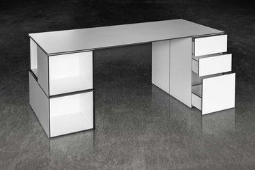 Foto eines Tisches von Tamesis