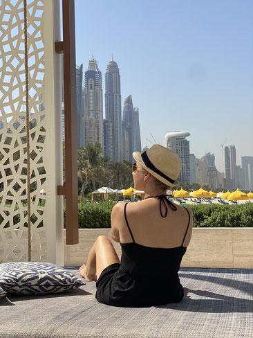 Zu Besuch in der Scheikh-Zayid-Moschee in Abu Dhabi