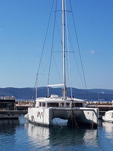 katamaran kreuzfahrten, individuelle küstenkreuzfahrten, inselhüpfen, blaue reise, kroatien, adria, kroatische, luxusyachten, segelyachten, mieten mit skipper crew,  sonderangebote