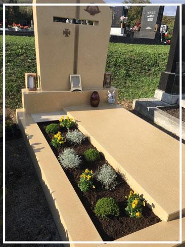gravestones & urn niches
