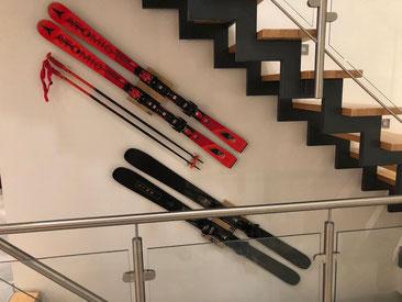 Wandhalterung Wandmontage Ski Carver diagonal horizontal vertikal Halterung wall mountAtomic Skistock Halter
