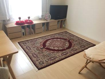 QUM wool&silk 新入荷の素敵な絨毯をお選びいただきました。