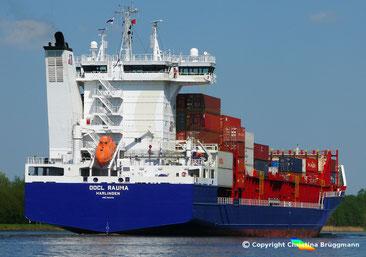 Open top Containrschiff OOCL RAUMA, Nord-Ostsee Kanal 09.05.2018