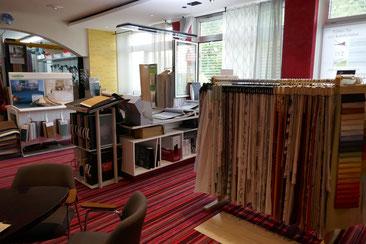 Gardinen, Vorhänge, Tischwäsche und Kissen