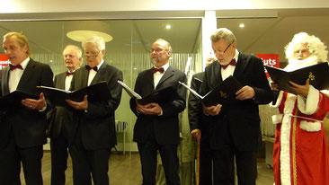 Auftritt mit singendem Nikolaus
