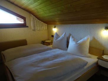 Eines von zwei Schlafzimmer Ferienwohnung 5
