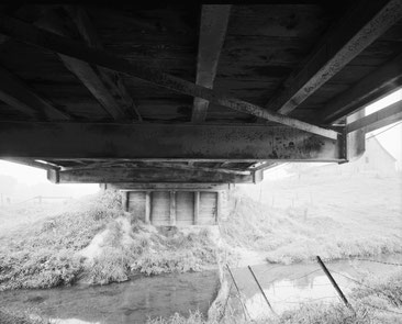Unterseite der Cottonville-Brücke, Blick nach Osten