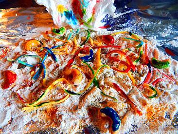 Kreatives Kochen mit Lebensmitteln und Lebensmittelfarben