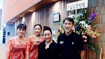 左から、田村照代、渡辺玲子、新谷たか枝[リーダー]、筆者