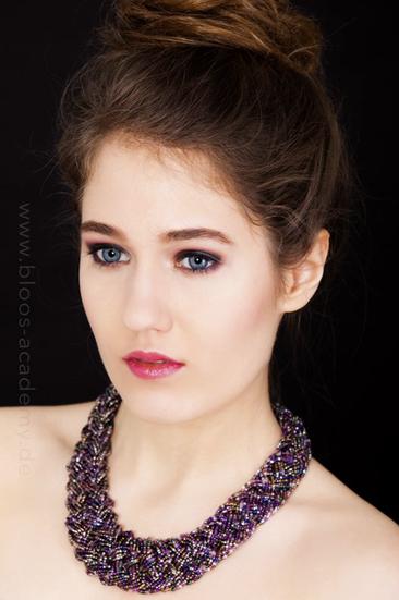 Haare & Make-up: Sarah S. Model: Lana Agency: S Models Model Management Produktion: Bloos Make-up & Hair Academy Foto: Markus Thiel