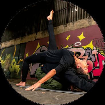 Claudia Poggemann yoga und smovey Fitnesskurse Online