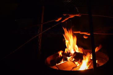 Ferienhaus Zeitlos an der Sieg, Stockbrot in der Feuerschale