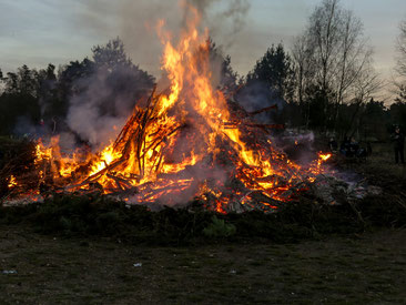 Auch Zühlsdorf kann Osterfeuer!