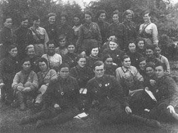 Летный состав полка . Ассиновская 1942  год