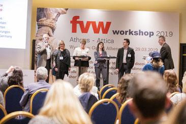 Helmut Singer bei einer Kreuzfahrtbesichtigung in Travemünde