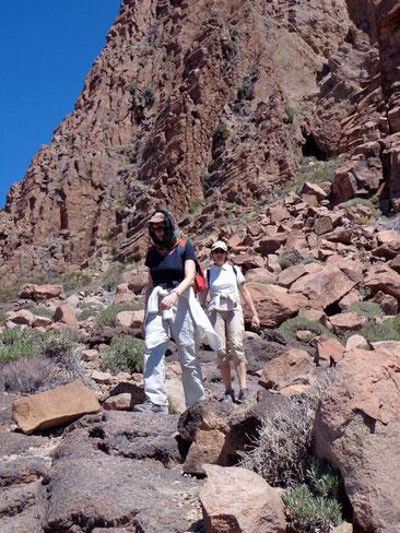 Wandern in den Bergen fördert die Muskulatur.