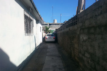 Zentimeter Abstand zur Wand auf dem Parkplatz