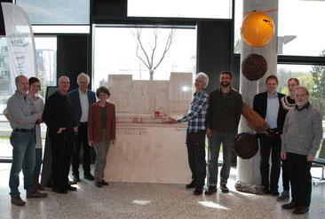 Das Team von Lebendige Alster stellt seine Ausstellung in der Behörde für Umwelt und Energie vor