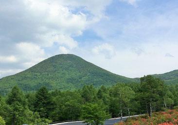 嬬恋村からみる湯の丸山