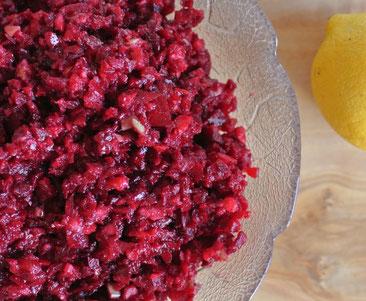 Salat aus roher Roter Bete mit Apfel auch für Thermomix