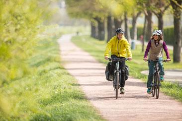 Fahrgefühl auf Trekking e-Bikes bei einer Probefahrt testen