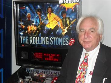 Flipperproduzent Gary Stern und der ROLLING STONES der seit Januar 2011 produziert wurde. (Foto: Heribert Eiden)