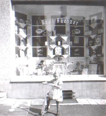 Aufnahme von 1939 mit Irmgard Amborn, spätere Luck - Archiv Hartmut Luck
