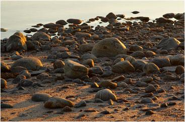 Закат на каменистом берегу. Остров Сидоров, Карелия. 2007 год.