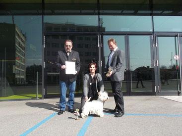 ÖWHWTC-Präs. Werner Brandl und Ausstellungsleiter Fritz Seifert - Übergabe Pokal und Urkunde ÖWHWTC-Showcupwinner 2013