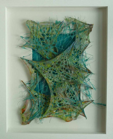 """"""" turquoise tension """" pigmentierte Papierfasern über gespannte Gewebe und Fäden geschöpft,  50 x 40 cm"""